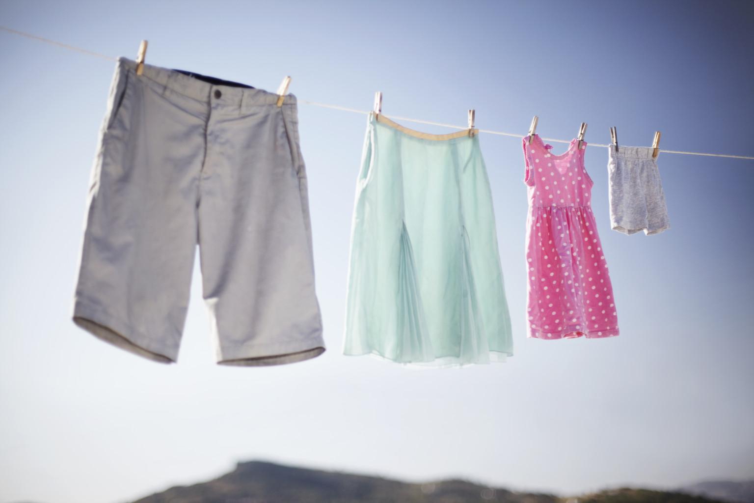 15 consejos de lavandería que alargarán la vida de tu ropa