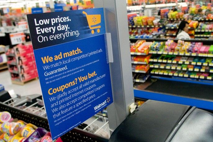 walmart_checkout_features_ad_match_and_coupon_policy_signs-e1344732526103